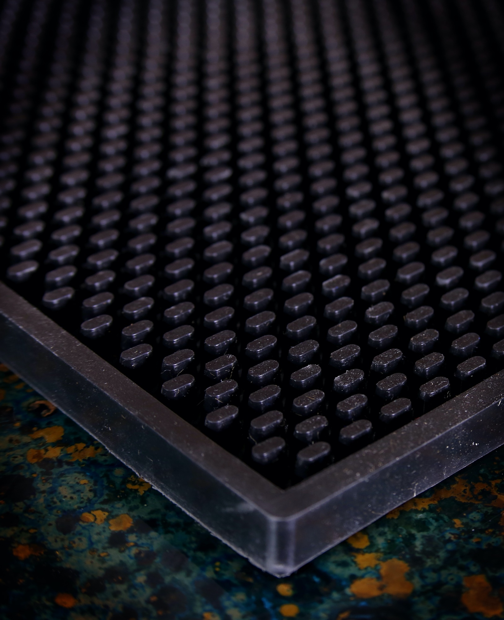 Heavy Duty Bar Mat, 11x14 Inches