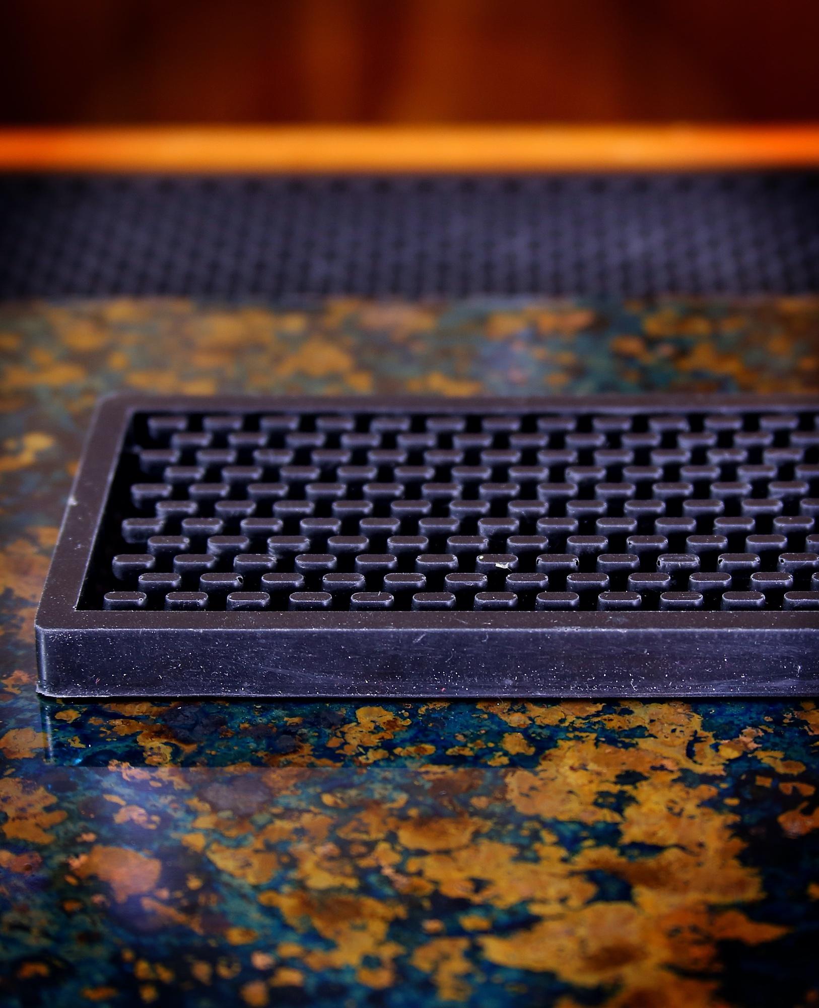 Heavy Duty Bar Rail Mat, 24x3.5 Inches